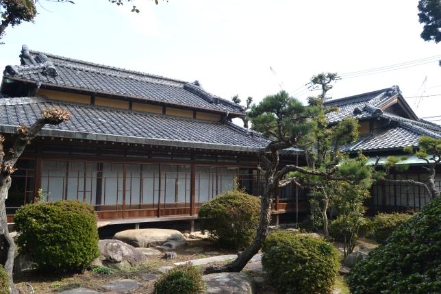 八木資料館(中庭).JPG
